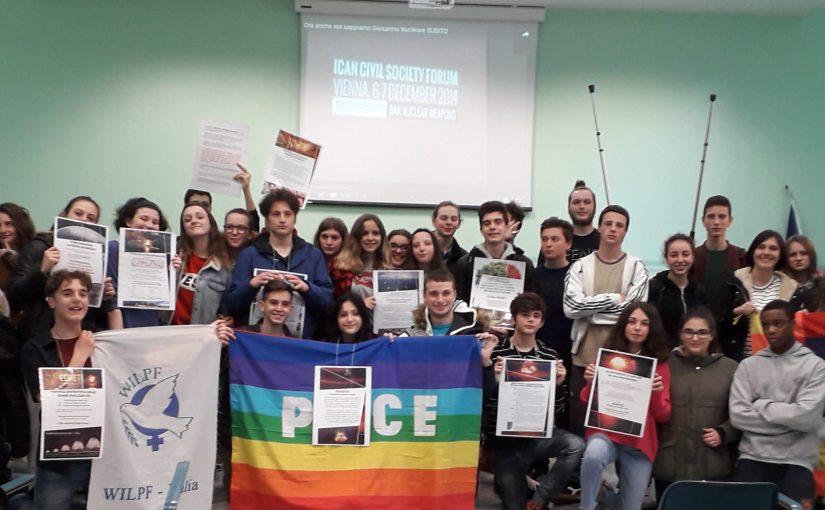 16 Marzo Livorno. tre classi dell'ISS Niccolini-Palli